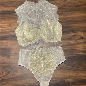 Victoria's Secret Set 38DDD large thong silver